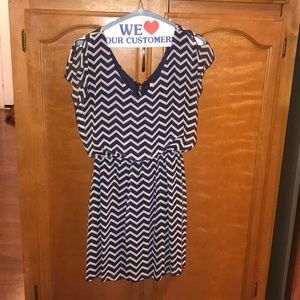 Like new navy and white chevron dress S